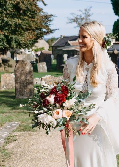 Bride-bouquet-roses-dahlia-foliage-ribbons