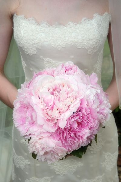 Bride-pink-peony-bouquet