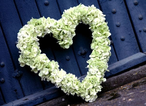 Funeral-heart-wreath-green-hydrangea