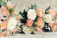 Bride & Bridesmaid bouquets - Kate Hopewell-Smith image credit